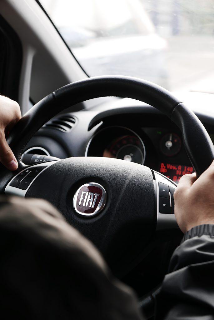 Fiat faz parceria com a TIM