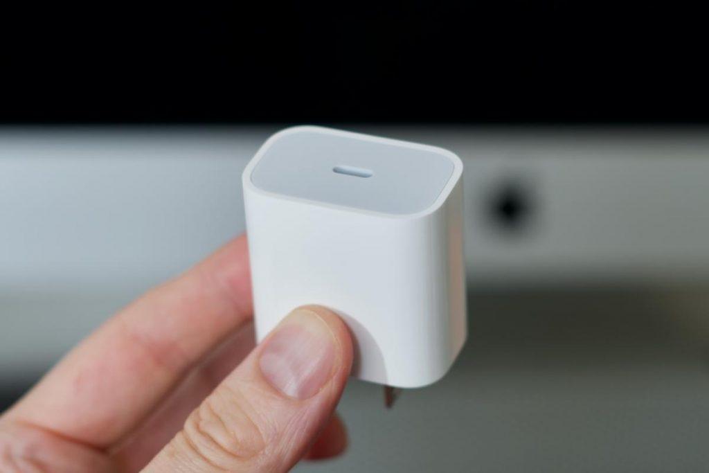 Carregador do iPhone 12