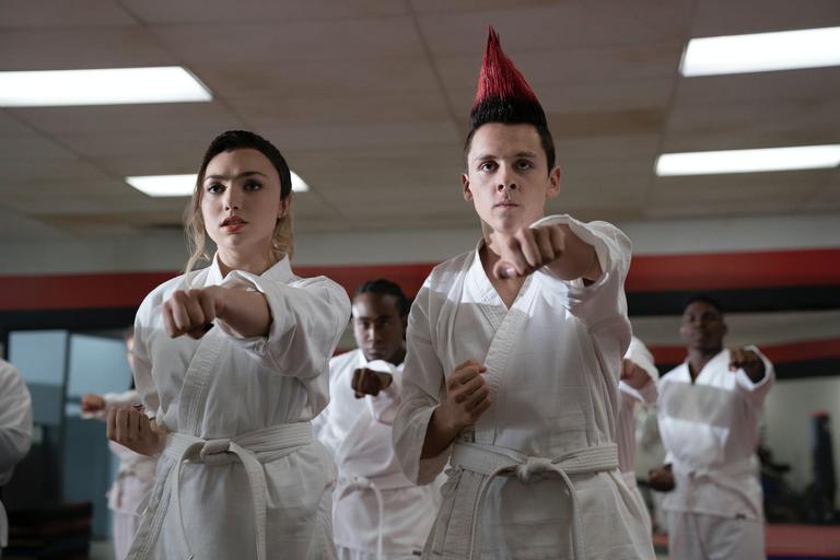 Imagens da Terceira Temporada de Cobra Kai, da Netflix
