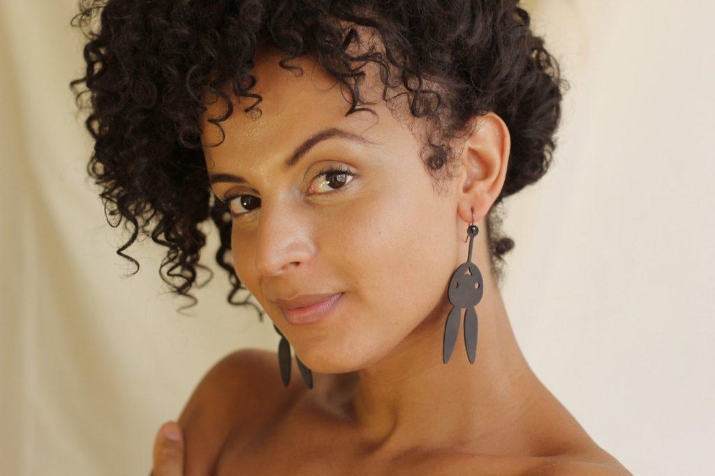 Gabriela Loran atriz arcanjo renegado