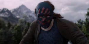 Cena do segundo episódio de Falcão e o Soldado Invernal, mostrando Karli Mongerthau, líder dos Apátridas