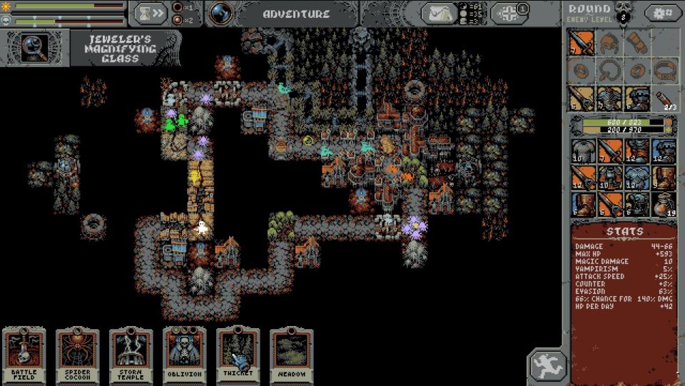 Imagem do jogo Loop Hero, mostrando as cartas, inventário e caminho do ciclo.