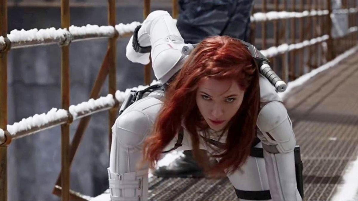 Scarlett Johansson como Black Widow no novo trailer