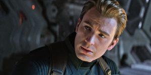 Steve Rogers, interpretado por Chris Evans, em Vingadores: Ultimato