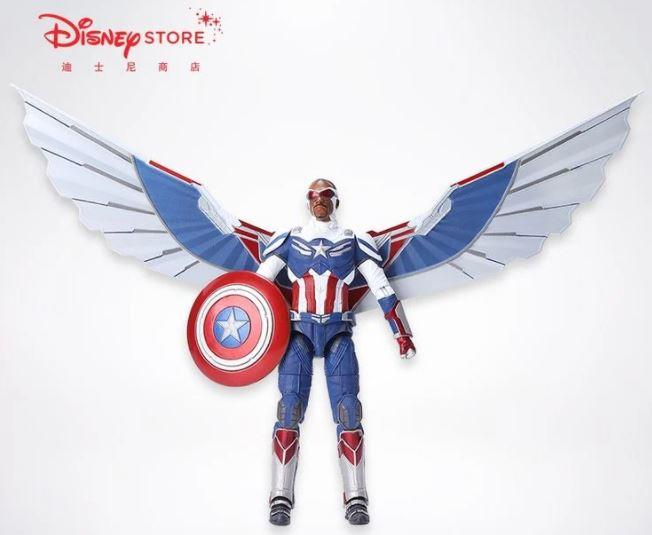 Brinquedo mostrando Sam Wilson com seu suposto novo traje de Capitão América