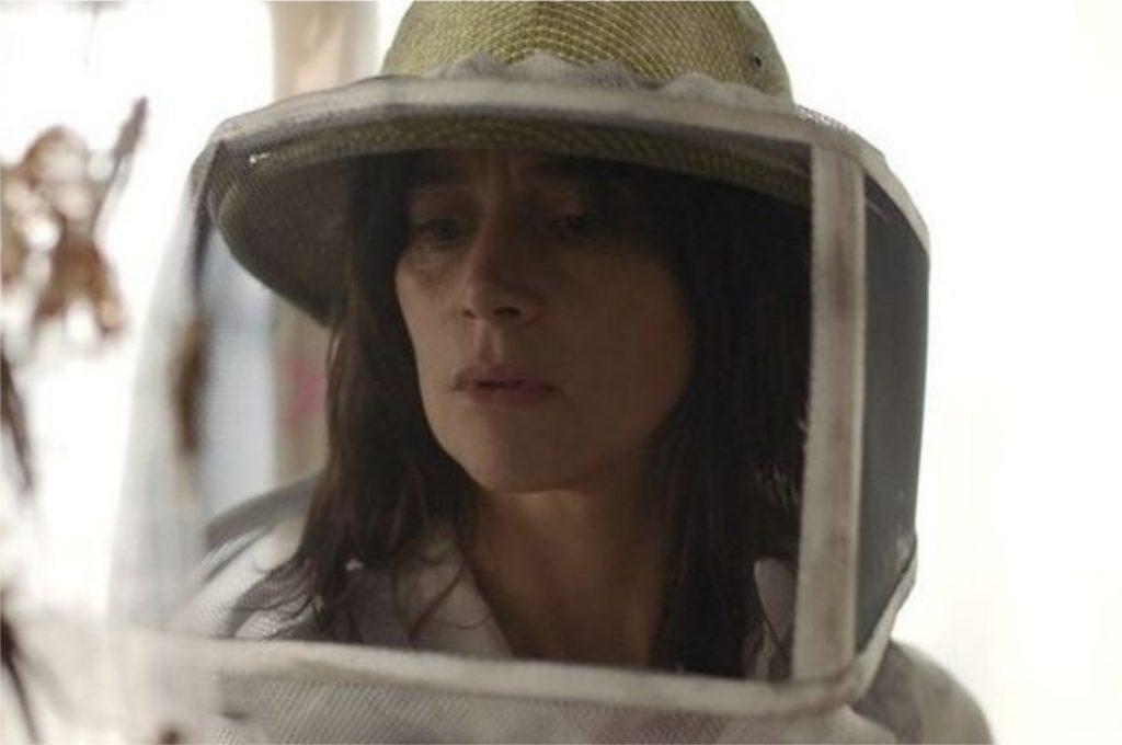 Suliane Brahim como Virginia no filme de terror francês A Nuvem (Imagem: Divulgação/Netflix)