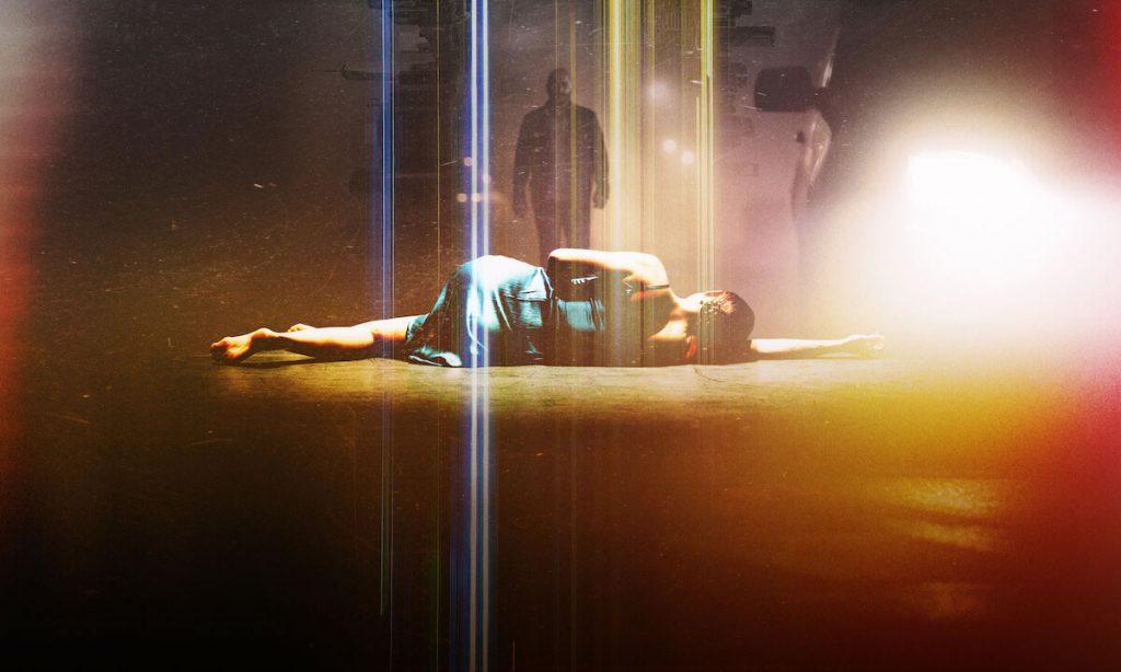 Imagem promocional da série Hit & Run (Imagem: Divulgação/Netflix)