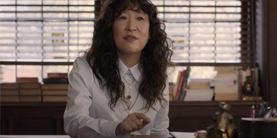 Sandra Oh como a Dra. Ji-Yoon Kim em The Chair (Imagem: Divulgação/Netflix)