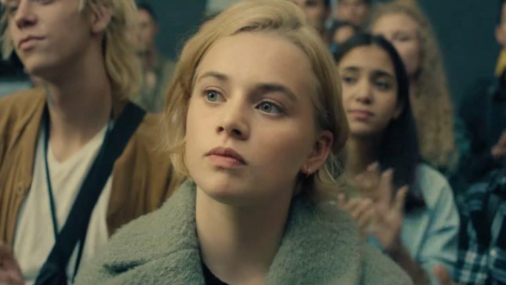 Luna Wedler como Maxi no filme Je Suis Karl (Imagem: Divulgação/Pandora Film Verleih   Netflix)