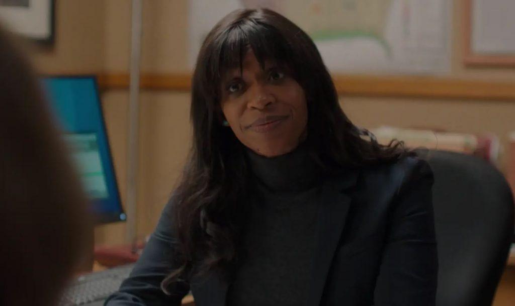 A atriz Merrin Dungey em seu papel como Adrianne Quinlan na série Big Little Lies (Imagem: Divulgação/HBO)