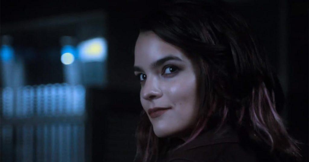 A atriz Brianna Hildebrand como Rory na sexta e última temporada de Lucifer (Imagem: Divulgação/Netflix)
