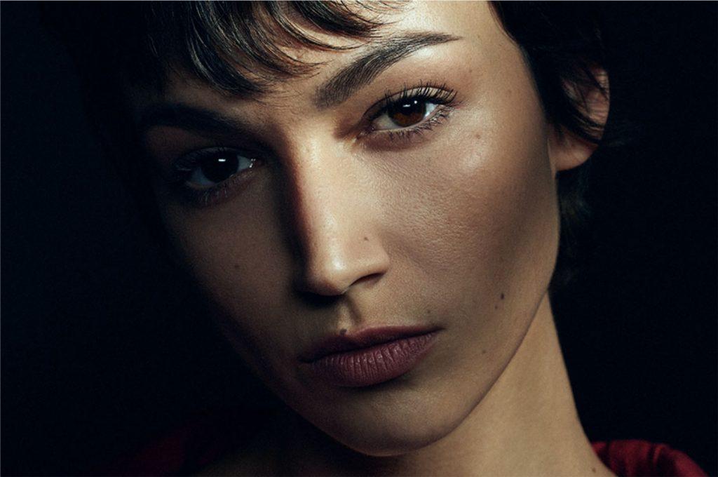 Úrsula Corberó como Tóquio na série La Casa de Papel (Imagem: Divulgação/Netflix)